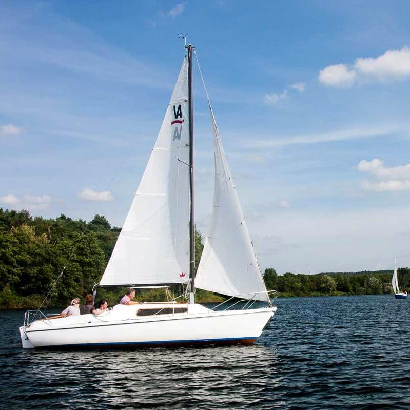 Segelboot Varianta auf dem Halterner Staussee