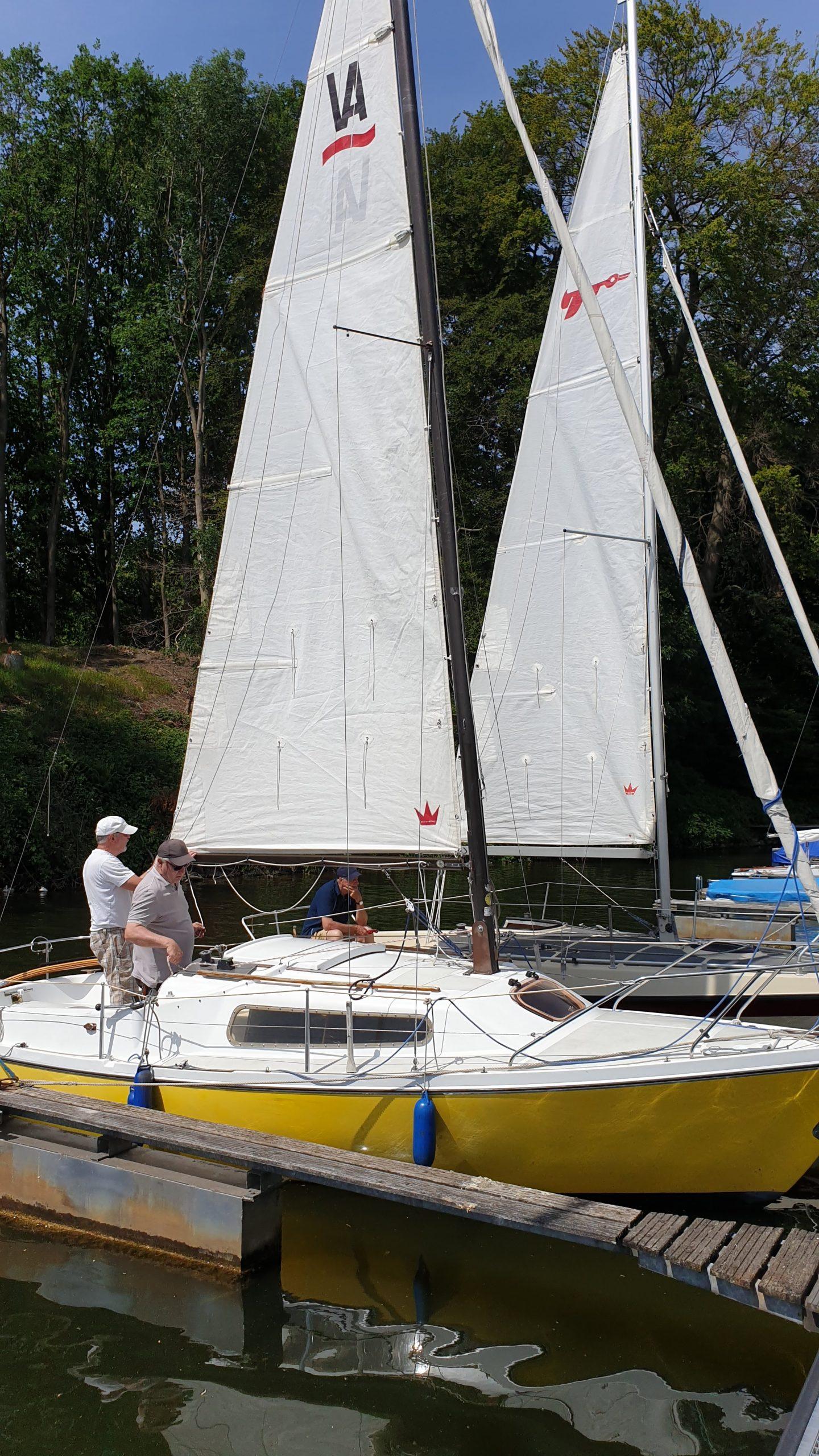 Einkranen der Boote